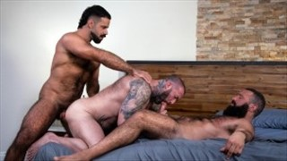 BB-slut fucked by three bears