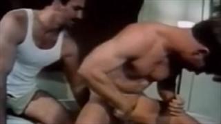 Penetracja ciasnej dupci dildo