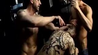Grupowy pissing i orgazm
