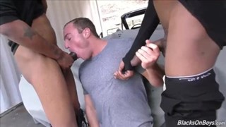 Two guys share a big cock