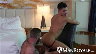ManRoyale – Dirty Daddy Derek Parker Pounds E