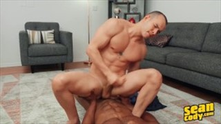 Long Haired Hunk Sean Carraway Spews a Big Load on His Nice Body